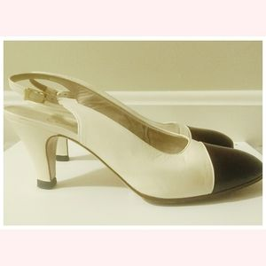 Vintage Chanel Leather Slingback Pumps Italy 37